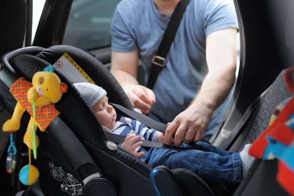 silla coche bebe cinturon