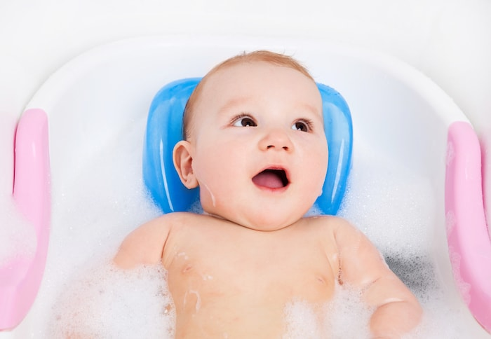 bañera sujeción cabeza
