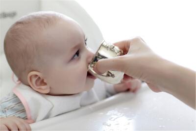 6 meses bebiendo agua