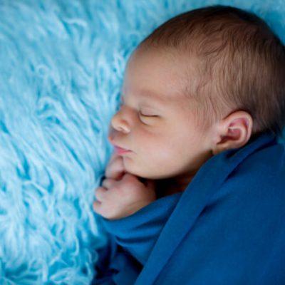 Arrullar al bebé – 3 maneras de hacerlo y sus beneficios